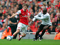 Photo: Tom Dulat.<br /> Arsenal v Sunderland. The FA Barclays Premiership. 07/10/2007.<br /> Nyron Nosworthy of Sunderland and Alexander Hleb of Arsenal with the ball