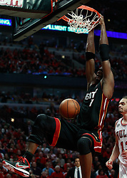 15.05.2011, UNITED CENTER, CHICAGO, USA, NBA, Chicago Bulls vs Miami Heat, im Bild Chris Bosh dunks against Chicago Bulls in game 1 of the NBA Eastern Conference Championships at the United Center in Chicago, EXPA Pictures © 2011, PhotoCredit: EXPA/ Newspix/ KAMIL KRZACZYNSKI +++++ ATTENTION - FOR AUSTRIA/ AUT, SLOVENIA/ SLO, SERBIA/ SRB an CROATIA/ CRO, SWISS/ SUI and SWEDEN/ SWE CLIENT ONLY +++++