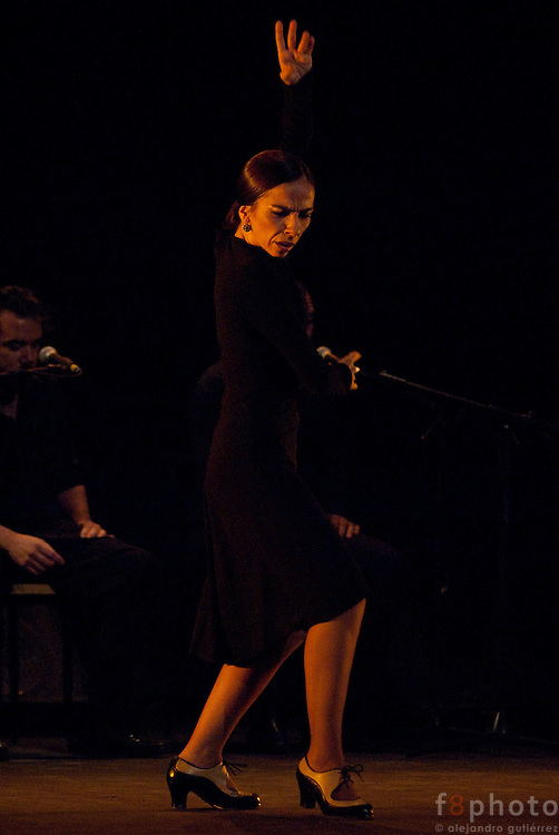 "The Dancer Isabel Bayón during the Spanish Dance Gala ""Quejio Flamenco"" in the Second International Dance Festival Ibérica Contemporánea, Querétaro, México 2009."