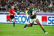 Makazole Mapimpi of South Africa runs with the ball to score a try during the World Cup Japan 2019, Final rugby union match between England and South Africa on November 2, 2019 at International Stadium Yokohama in Yokohama, Japan - Photo Yuya Nagase / Photo Kishimoto / ProSportsImages / DPPI