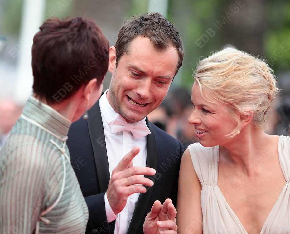 14.MAY.2011. CANNES<br /> <br /> JUDE LAW AND LINN ULLMANN AT THE PREMIERE OF THE &quot;PIRATES OF CARIBBEAN : ON STRANGER TIDES&quot; - 64 TH INTERNATIONAL CANNES FILM FESTIVAL 2011 IN CANNES, FRANCE<br /> <br /> BYLINE: EDBIMAGEARCHIVE.COM<br /> <br /> *THIS IMAGE IS STRICTLY FOR UK NEWSPAPERS AND MAGAZINES ONLY*<br /> *FOR WORLD WIDE SALES AND WEB USE PLEASE CONTACT EDBIMAGEARCHIVE - 0208 954 5968*