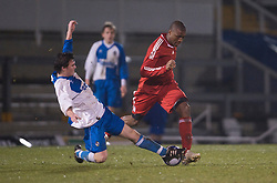 BRISTOL, ENGLAND - Thursday, January 15, 2009: Liverpool's David Amoo in action against Bristol Rovers' George Booth during the FA Youth Cup match at the Memorial Stadium. (Mandatory credit: David Rawcliffe/Propaganda)