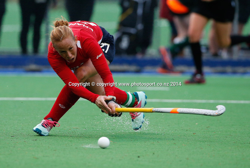 USA's Lauren Crandall. Fourth test, New Zealand Black Sticks Women v USA women's international hockey, Twin Turfs , Palmerston North, New Zealand. Thursday, 23 October, 2014. Photo: John Cowpland / www.photosport.co.nz
