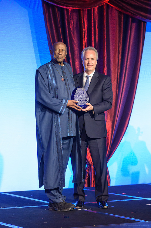 Metro Louisville Mayor Greg Fischer presents Academy Award-winning actor and humanitarian Louis Gossett Jr. with the Muhammad Ali Humanitarian Award for Education at the fourth annual Muhammad Ali Humanitarian Awards Saturday, Sept. 17, 2016 at the Marriott Hotel in Louisville, Ky. (Photo by Brian Bohannon for the Muhammad Ali Center)