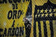 20170527/ Javier Calvelo - adhocFOTOS/ URUGUAY/ MONTEVIDEO/ CAMPEONATO URUGUAYO 2017/ TORNEO INTERMEDIO/ 1&ordf; FECHA/ Cancha: Estadio Campe&oacute;n del Siglo/ Pe&ntilde;arol de local ante F&eacute;nix en el Estadio  Campe&oacute;n del Siglo por la 1&deg; fecha del Torneo Intermedio 2017. <br /> En la foto:  Hinchas de Pe&ntilde;arol por la 1&deg; fecha del Intermedio en el Estadio Campe&oacute;n del Siglo. Foto: Javier Calvelo/ adhocFOTOS
