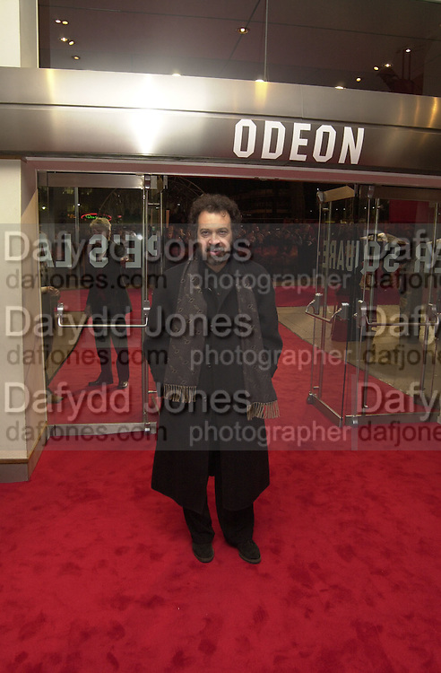 Edward Zwick, The Last Samurai fil premiere, Leicester Sq. 6 January 2004.  © Copyright Photograph by Dafydd Jones 66 Stockwell Park Rd. London SW9 0DA Tel 020 7733 0108 www.dafjones.com