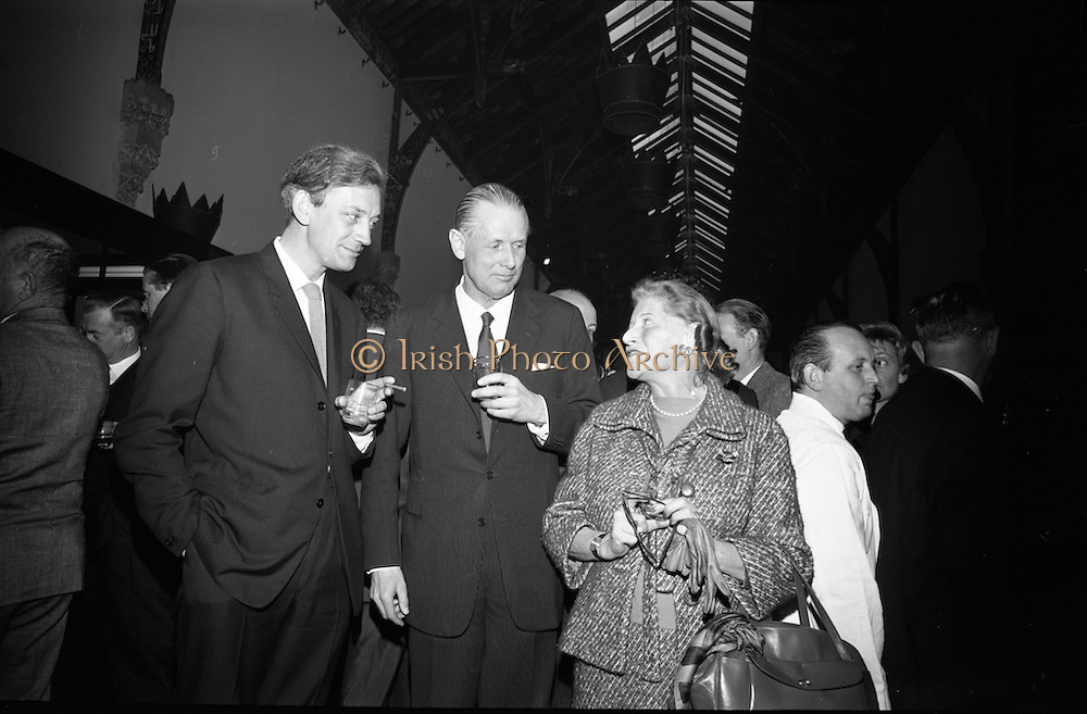 Opening of Kilkenny Design Workshop. Ronald Tallon, architect; Per Yannum, President of &quot;Plus&quot;, a similar centre in Norway; and Mrs. Beryl S. Austrian, Interior Decorator from Interamural, New York.<br /> 15.11.1965