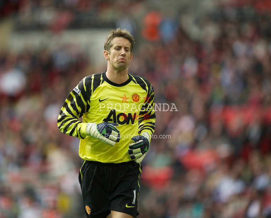 LONDON, ENGLAND - Saturday, April 16, 2011: Manchester United's goalkeeper Edwin van der Sar in action against Manchester City during the FA Cup Semi-Final match at Wembley Stadium. (Photo by David Rawcliffe/Propaganda)