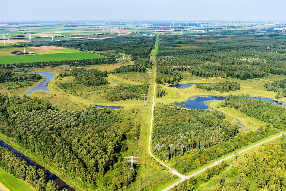Nederland, Flevoland, Zeewolde, 23-08-2016; Horsterwold met De Stille Kern, nieuw aangelegd bos in Flevoland<br /> Horsterwold, newly designed forest in the new polder Flevoland.<br /> aerial photo (additional fee required);<br /> copyright foto/photo Siebe Swart