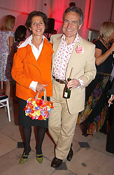 STEPHEN & FLO BAYLEYat 'Horticouture' a charity fashion show to raise funds for Tommy's, the baby charity and The Royal Botanic Gardens, Kew held at Kew on 12th May 2005.<br /><br />NON EXCLUSIVE - WORLD RIGHTS