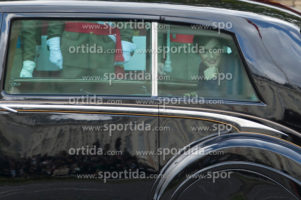 12.10.2015, Madrid, Madrid, ESP, Spanischer Nationalfeiertag, Royals, im Bild Queen Letizia of Spain // during the celebration of the Spanish National Day military parade in Madrid in Madrid, Spain on 2015/10/12. EXPA Pictures &copy; 2015, PhotoCredit: EXPA/ Alterphotos/ Victor Blanco<br /> <br /> *****ATTENTION - OUT of ESP, SUI*****