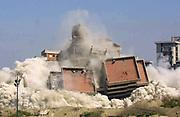 abbattimento della vela di Scampia  il 29 aprile del 2003 <br /> Ph: Stefano Renna