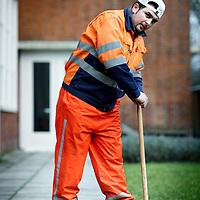 Nederland, Amsterdam , 27 februari 2010..Jongeren met leerproblemen worden begeleid en aan het werk geholpen om te voorkomen dat ze afzakken in de maatschappij.Abdel Ettajiri heeft een baan als stratenmaker..Foto:Jean-Pierre Jans