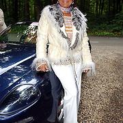 NLD/Vierhouten/20050530 - Society vrouwen rijden de BeauMonde Rally 2005, Christine Kroonenberg