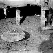 SELF PORTRAITS / AUTORRETRATOS.Photography by Aaron Sosa.Zapara Island, Zulia State - Venezuela 2002.(Copyright © Aaron Sosa)