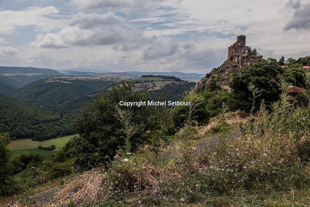 France. Haute loire. ruins of leontoing castle, center of france / les ruines du chateau de leotoing dans la haute loire