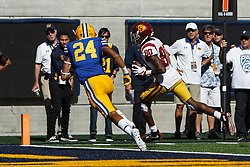BERKELEY, CA - SEPTEMBER 23:  Wide receiver Deontay Burnett #80 of the USC Trojans scores a touchdown against the California Golden Bears during the fourth quarter at California Memorial Stadium on September 23, 2017 in Berkeley, California. The USC Trojans defeated the California Golden Bears 30-20. (Photo by Jason O. Watson/Getty Images) *** Local Caption *** Deontay Burnett