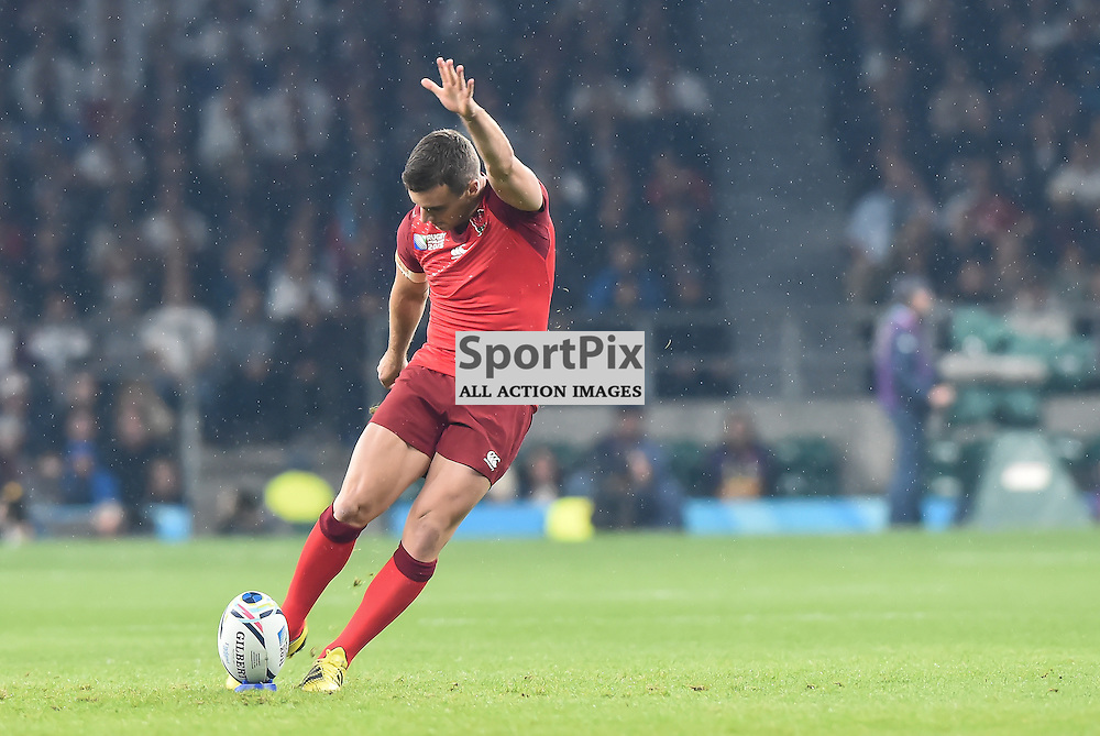 George Ford kicks the first points of the 2015 world cup(c) Simon Kimber | SportPix.org.uk