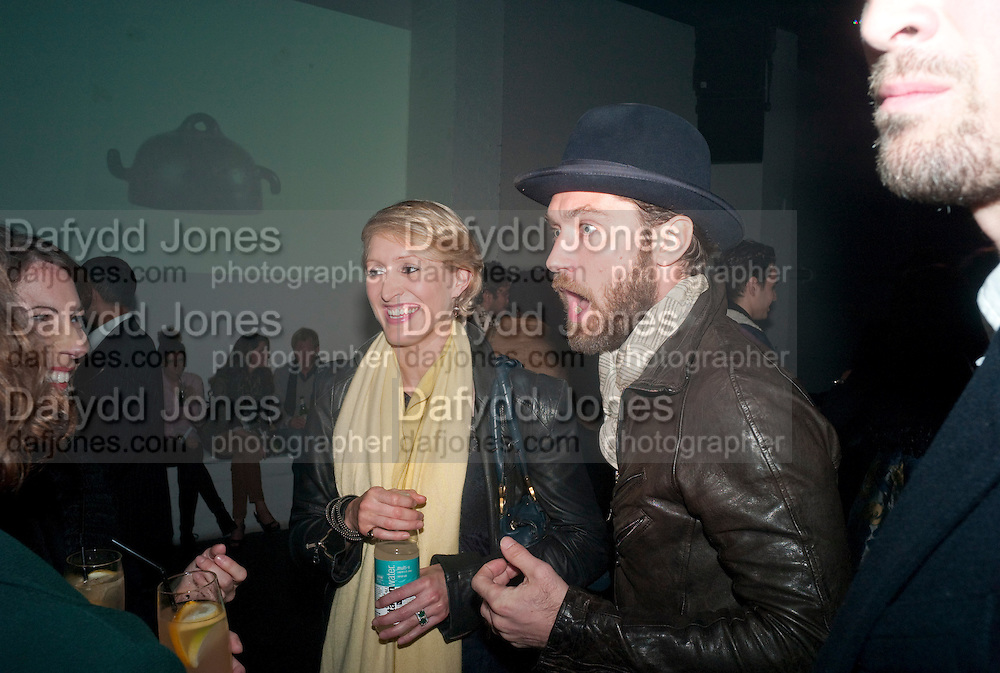 ISABELLA MACPHERSON; JUDE LAW, Vanity Fair  hosted  UK Premiere and party for Beyond Time. A film about the artist William Turnbull made by his son Alex Turnbull. Narrated by Jude Law. I.C.A. London. 17 November 2011<br /> <br />  , -DO NOT ARCHIVE-© Copyright Photograph by Dafydd Jones. 248 Clapham Rd. London SW9 0PZ. Tel 0207 820 0771. www.dafjones.com.