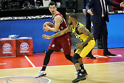 09.12.2017, Audi Dome, Muenchen, GER, EasyCredit BBL, FC Bayern Muenchen Basketball vs MHP Riesen Ludwigsburg, 12. Runde, im Bild Elgin Cook (Ludwigsburg) stellt einen Block gegen Nihad Djedovic (Muenchen) // during the easyCredit Basketball Bundesliga 12th round match between MHP Riesen Ludwigsburg and 12.Spieltag at the Audi Dome in Muenchen, Germany on 2017/12/09. EXPA Pictures &copy; 2017, PhotoCredit: EXPA/ Eibner-Pressefoto/ Marcel Engelbrecht<br /> <br /> *****ATTENTION - OUT of GER*****