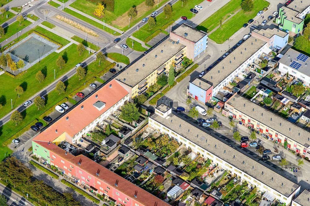 Nederland, Flevoland, Almere,  10-10-2014; Almere-Buiten, Regenboogbuurt, eengezinswoningen.<br /> Residential distict 'Rainbow Area'. <br /> luchtfoto (toeslag op standaard tarieven); <br /> aerial photo (additional fee required);<br /> copyright foto/photo Siebe Swart.