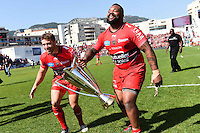 Leigh Halfpenny / Mathieu Bastareaud avec le trophee Champions Cup - 09.05.2015 - Toulon / Castres - 24eme journee de Top 14 <br /> Photo : Alexandre Dimou / Icon Sport