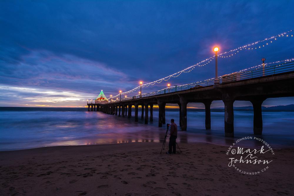 Photographer taking a photo of the Manhattan Beach Pier, Manhattan Beach, Los Angeles, California, USA