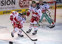 02.12.2018, Keine Sorgen Eisarena, Linz, AUT, EBEL, EHC Liwest Black Wings Linz vs HCB Suedtirol Alperia, 25. Runde, im Bild v.l. Brett Findlay (HCB Suedtirol Alperia), Paul Geiger (HCB Suedtirol Alperia), Tormann Irving Leland (HCB Suedtirol Alperia) // during the Erste Bank Eishockey League 25th round match between EHC Liwest Black Wings Linz and HCB Suedtirol Alperia at the Keine Sorgen Eisarena in Linz, Austria on 2018/12/02.12.2018. EXPA Pictures © 2018, PhotoCredit: EXPA/ Reinhard Eisenbauer