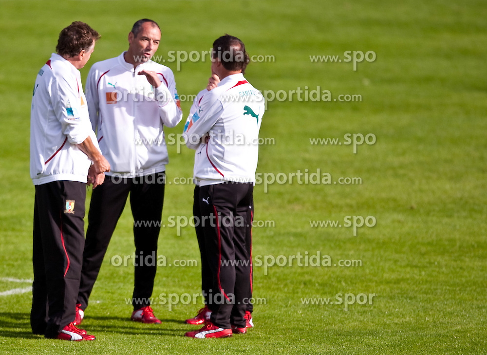 21.05.2010, Dolomitenstadion, Lienz, AUT, WM Vorbereitung, Kamerun Training im Bild , EXPA Pictures © 2010, PhotoCredit: EXPA/ J. Feichter / SPORTIDA PHOTO AGENCY