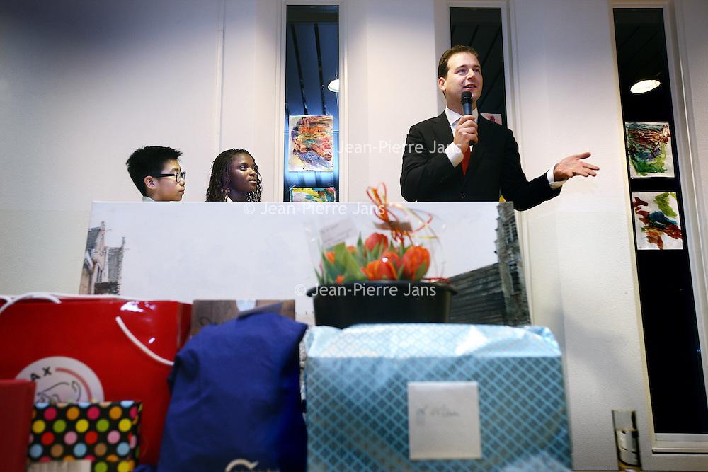 Nederland, Amsterdam , 7 januari 2013..Afscheid van Lodewijk Asscher van de stad op basisschool de kraal..Foto:Jean-Pierre Jans