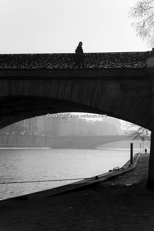 France. Paris. . Montebello quay in the quartier latin / Sous le pont de l'archeveche