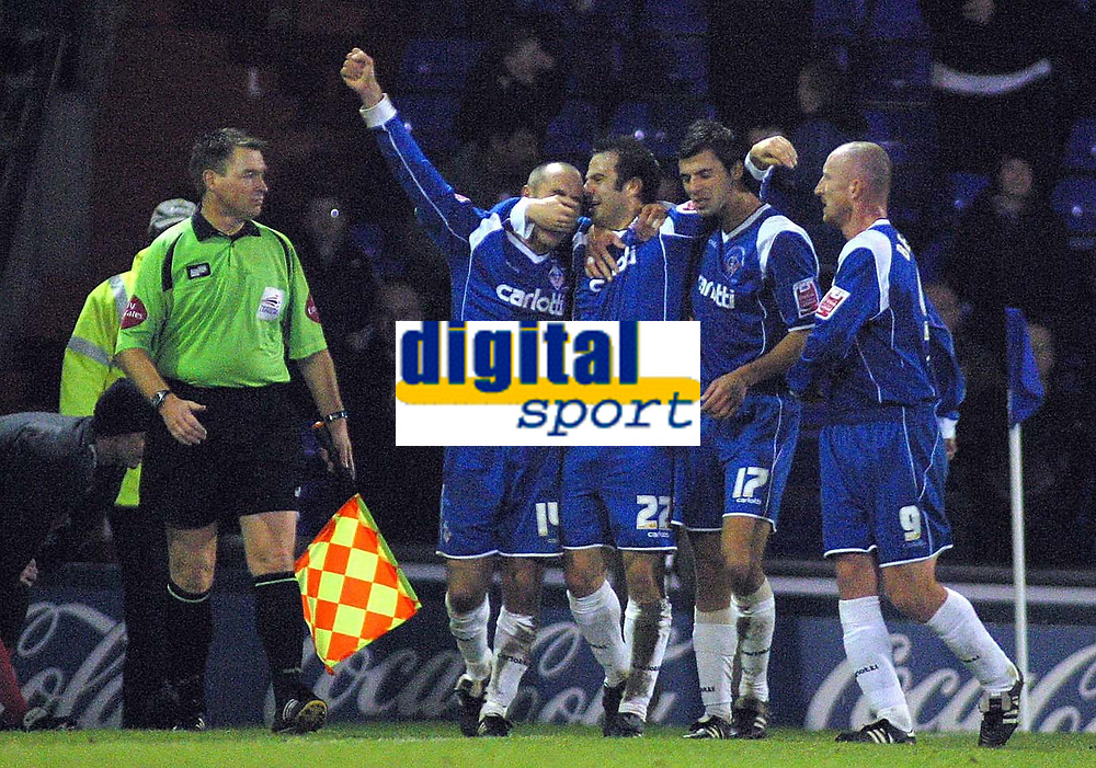 Photo: Paul Thomas.<br />Oldham Athletic v Swindon Town. Coca Cola League 1.<br />10/12/2005.<br />Oldam celebrate Andy Liddell's equalising goal.