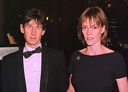 MR & MRS ANTHONY MOULD he is the art expert, at a dinner in London on 6th October 1998.MKN 40