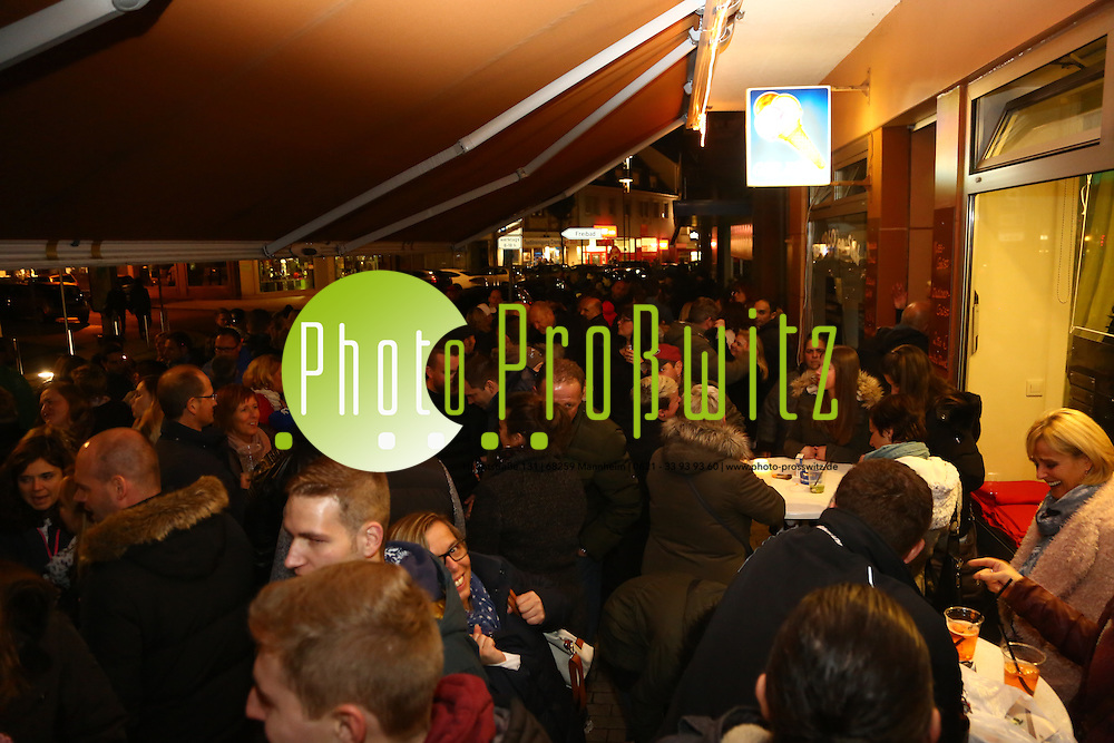 Mannheim. 05.11.16 Lange Nacht der Kunst und Gen&uuml;sse in den Stadtteilen:<br /> - Sandhofen Eis Fontanella<br /> Bild: Markus Prosswitz 05NOV16 / masterpress (Bild ist honorarpflichtig - No Model Release!)