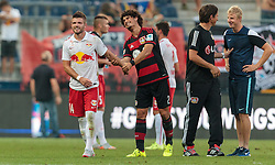 21.07.2015, Red Bull Arena, Salzburg, AUT, Testspiel, FC Red Bull Salzburg vs Bayer 04 Leverkusen, im Bild v.l.: Valon Berisha (FC Red Bull Salzburg), Andre Ramalho (Bayer 04 Leverkusen), Trainer Roger Schmidt (Bayer 04 Leverkusen), Martin Hinteregger (FC Red Bull Salzburg) // during the International Friendly Football Match between FC Red Bull Salzburg and Bayer 04 Leverkusen at the Red Bull Arena in Salzburg, Austria on 2015/07/21. EXPA Pictures © 2015, PhotoCredit: EXPA/ JFK