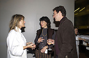ruth Rogers, Christianne Amanpour and James Rubin. party for Anthony Lane's book hosted  given by David Remnick, editor of the New Yorker. River Cafe. 12 November 2002.  © Copyright Photograph by Dafydd Jones 66 Stockwell Park Rd. London SW9 0DA Tel 020 7733 0108 www.dafjones.com