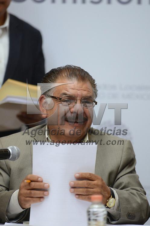 Toluca, México (Septiembre 1, 2016).- Abel Valle Castillo Presidente de la Comisión Legislativa de Protección Civil, durante las reuniones de trabajo de las comisiones legislativas en la cámara de diputados. Agencia MVT / Arturo Hernández.