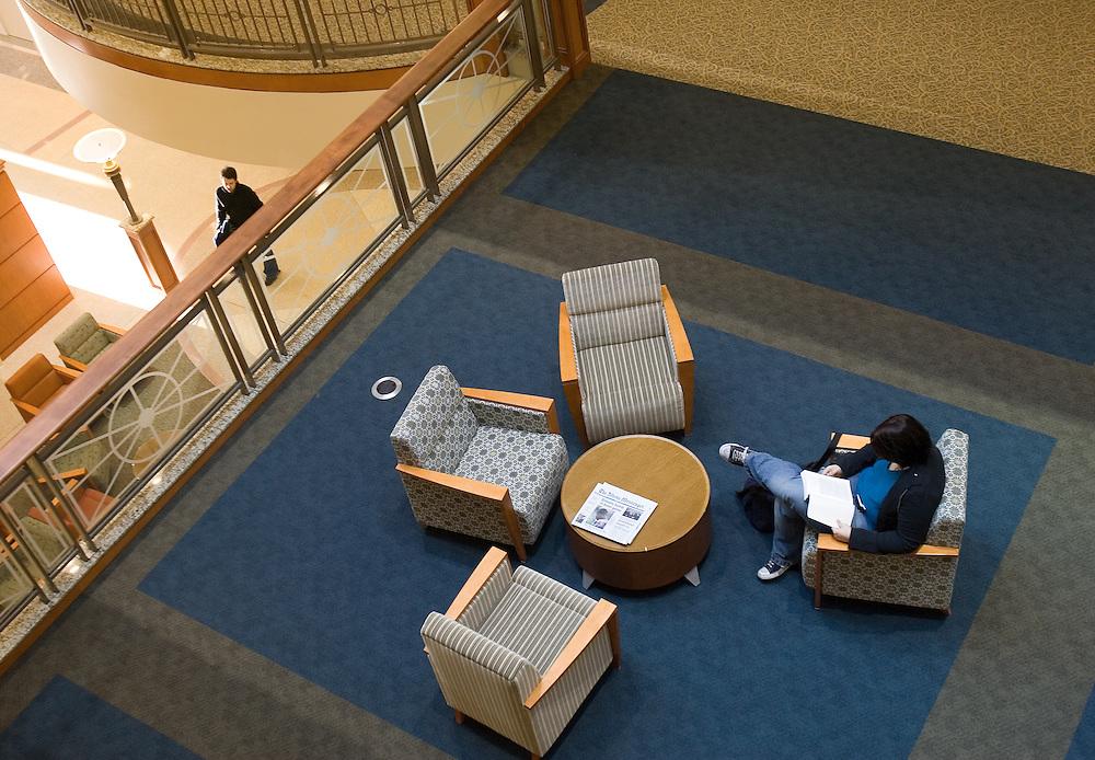 A student relaxes in one of the open areas at O.U.'s new Baker Center on Tuesday, 1/08/07.