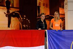 05-10-2013 VOLLEYBAL: WK KWALIFICATIE MANNEN OEKRAINE - NEDERLAND: ALMERE<br /> Oranje support publiek<br /> &copy;2013-FotoHoogendoorn.nl