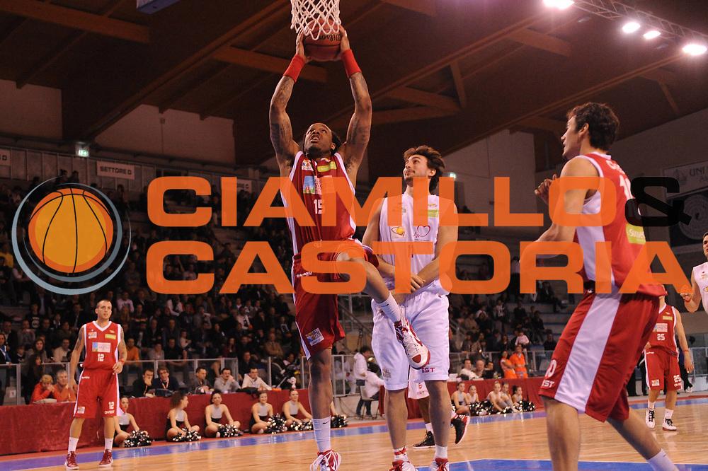 DESCRIZIONE : Riccione Legadue SuisseGas All Star Game 2012<br /> GIOCATORE : James Thomas<br /> CATEGORIA : schiacciata<br /> SQUADRA : Team Ovest<br /> EVENTO : All Star Game 2012<br /> GARA : Est Ovest<br /> DATA : 06/04/2012<br /> SPORT : Pallacanestro<br /> AUTORE : Agenzia Ciamillo-Castoria/M.Marchi<br /> Galleria : Lega Basket A2 2011-2012 <br /> Fotonotizia : Riccione SuisseGas All Star Game 2012<br /> Predefinita :