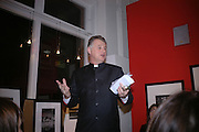 Michael Elliot editor of Time magazine. American Life. Michael Hoppen gallery. Jubilee Place. London. 29  November 2005. ONE TIME USE ONLY - DO NOT ARCHIVE  © Copyright Photograph by Dafydd Jones 66 Stockwell Park Rd. London SW9 0DA Tel 020 7733 0108 www.dafjones.com