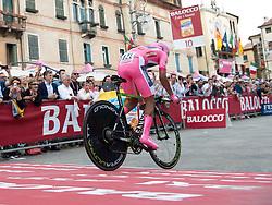 30.05.2014, Bassano di Grappa, ITA, Giro d Italia 2014, 19. Etappe, Bassano di Grappa nach Cima Grappa, im Bild der Etappensieger und Gesamtführende Nairo Quintana, COL (#121, Movistar Team) // stage winner and leader of the race Nairo Quintana, COL (#121, Movistar Team) during Giro d' Italia 2014 at Stage 19 from Bassano di Grappa to Cima Grappa, Italy on 2014/05/30. EXPA Pictures © 2014, PhotoCredit: EXPA/ R. Eisenbauer