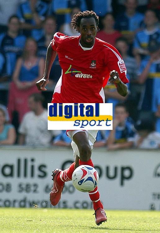 Photo: Alan Crowhurst.<br />Wycombe Wanderers v Wrexham. Coca Cola League 2.<br />05/08/2006. Wrexham's Dennis Lawrence.