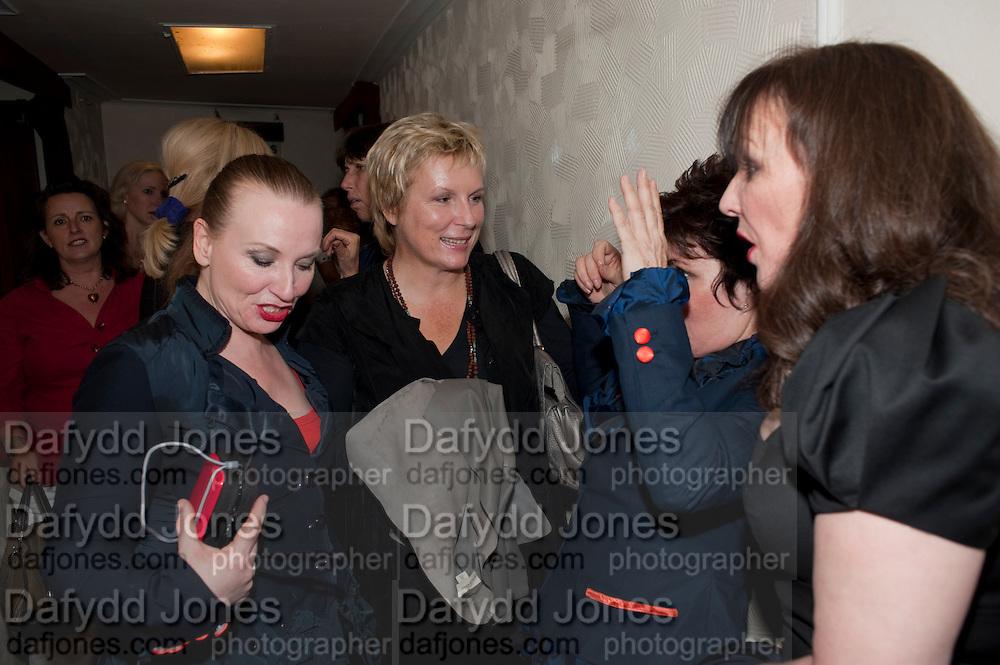 JUDITH OWEN; JENNIFER SAUNDERS; RUBY WAX; FRANCES BARBER, Press night for Ruby Wax- Losing it. Duchess theatre. London. 1 September 2011. <br /> <br />  , -DO NOT ARCHIVE-© Copyright Photograph by Dafydd Jones. 248 Clapham Rd. London SW9 0PZ. Tel 0207 820 0771. www.dafjones.com.