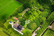 Nederland, Noord-Holland, Beemster, 14-06-2012; De Beemster, 400 jaar 1612 - 2012. Boerderij de Eenhoorn aan de Middenweg (kruising Volgerweg). De stolpboerderij of stolphoeve is een voorbeeld  van een Beemster Lusthof..In the 400 year old Beemster polder this farm is the Unicorn, a bell farm, 17th century monument, UNESCO monument.luchtfoto (toeslag), aerial photo (additional fee required);.copyright foto/photo Siebe Swart
