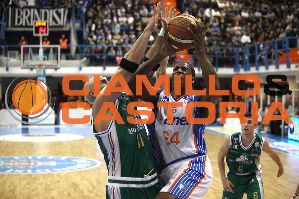 DESCRIZIONE : Brindisi Lega A 2010-11 Enel Brindisi Montepaschi Siena<br /> GIOCATORE : Diawara Yakhoub<br /> SQUADRA : Enel Brindisi<br /> EVENTO : Campionato Lega A 2010-2011<br /> GARA : Enel Brindisi Montepaschi Siena<br /> DATA : 12/12/2010<br /> CATEGORIA : tiro<br /> SPORT : Pallacanestro<br /> AUTORE : Agenzia Ciamillo-Castoria/C.De Massis<br /> Galleria : Lega Basket A 2010-2011<br /> Fotonotizia : Brindisi Lega A 2010-11 Enel Brindisi Montepaschi Siena<br /> Predefinita :