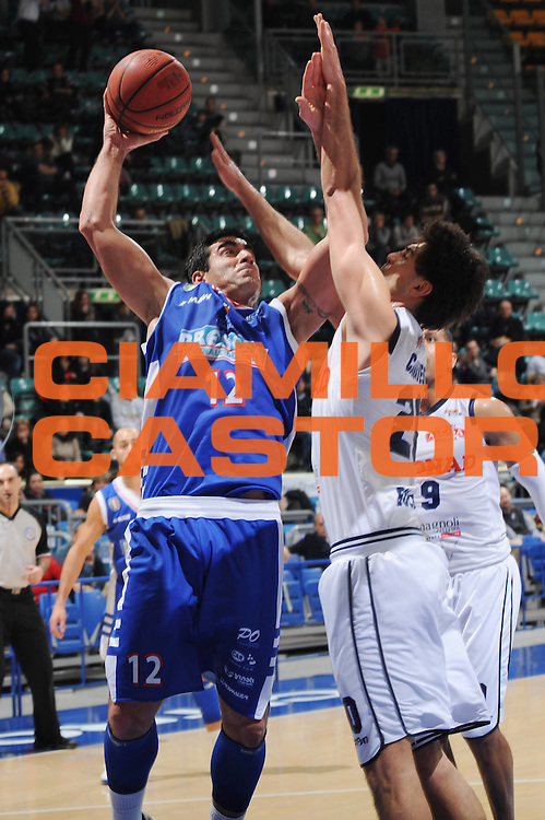 DESCRIZIONE : Bologna Lega Basket A2 2011-12 Conad Bologna Centrale Del Latte Brescia<br /> GIOCATORE : Mario Ghersetti<br /> CATEGORIA : tiro<br /> SQUADRA : Centrale Del Latte Brescia<br /> EVENTO : Campionato Lega A2 2011-2012<br /> GARA : Conad Bologna Centrale Del Latte Brescia<br /> DATA : 24/02/2012<br /> SPORT : Pallacanestro<br /> AUTORE : Agenzia Ciamillo-Castoria/M.Marchi<br /> Galleria : Lega Basket A2 2011-2012 <br /> Fotonotizia : Bologna Lega Basket A2 2011-12 Conad Bologna Centrale Del Latte Brescia<br /> Predefinita :