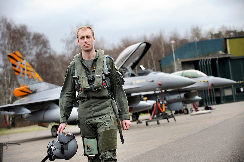 Kleine Brogel, Belgium 14 March 2008<br /> 31 Tiger squadron of the Belgian Air Force. Pilot's name: &quot;Fridge&quot;.<br /> The primary task of the squadron is taking out ground targets by 'dumb' unguided bombs or by precision bombardments, this during day and night.<br /> Also a great part of training is dedicated to &quot;air-to-air engagements&quot; (intercepting / destroying of hostile aircraft), to be able to operate under every conflict-scenario.<br /> Photo: Ezequiel Scagnetti