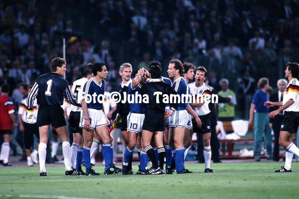 FIFA World Cup - Italia 1990<br /> Stadio Olimpico, Rome, Italy.<br /> Final Argentina v West Germany.<br /> Argentinian players protest the red card to Gustavo Dezotti by referee Edgardo Codesal.