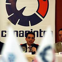 Metepec, Mex.- Alberto Bazbaz Sacal, procurador General de Justicia del Estado de México, se reunió con empresarios del Valle de Toluca, afiliados a la Canacintra para escuchar sus demandas sobre seguridad. Agencia MVT / José Hernández. (DIGITAL)<br /> <br /> <br /> <br /> NO ARCHIVAR - NO ARCHIVE